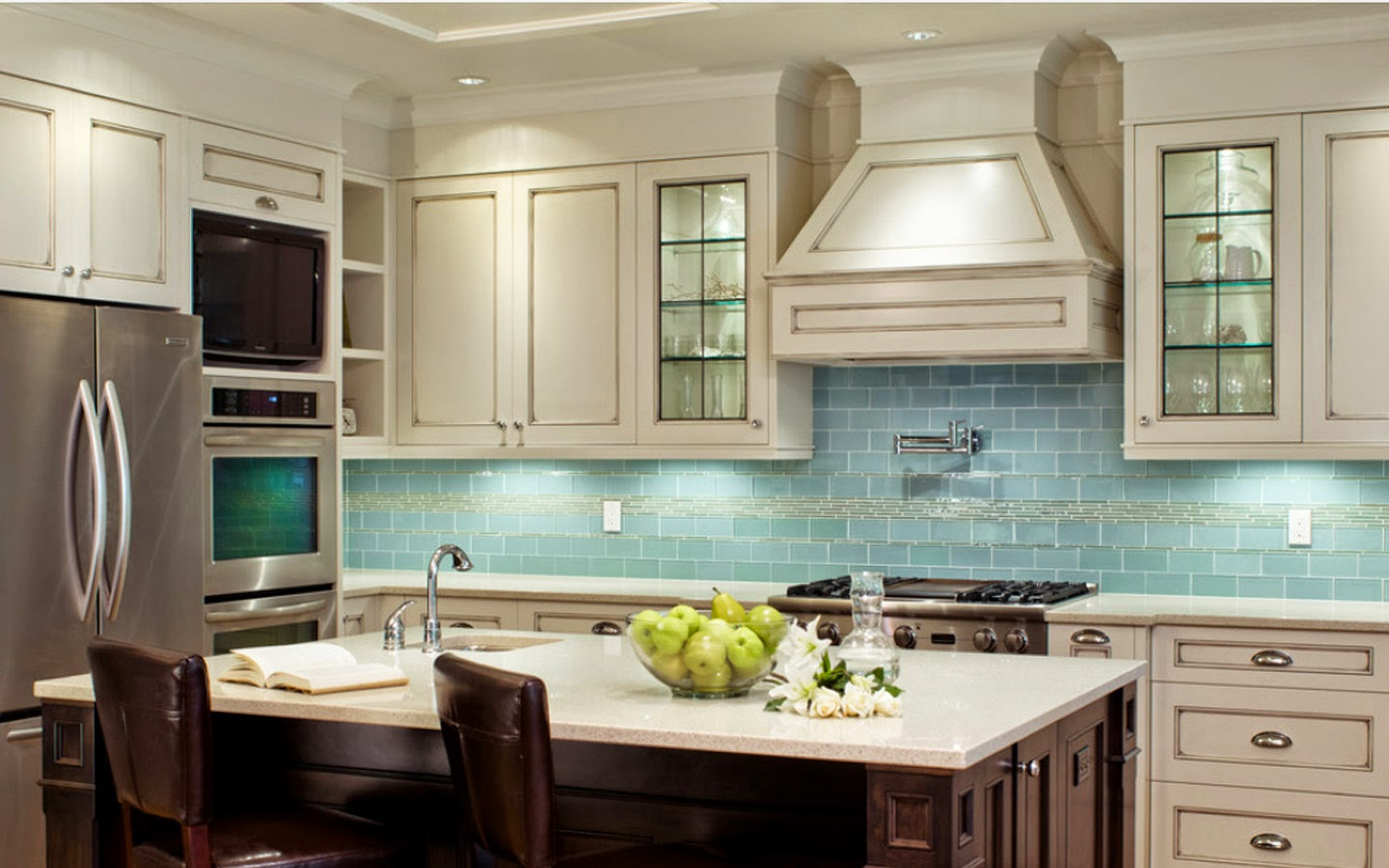 Home Interior, Design Room and Picture House : Traditional ... on Traditional Kitchen Decor  id=73954