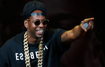 """Lirik Lagu 2 Chainz - YES"""