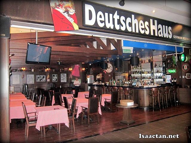 Deutsches Haus Jaya 33 Isaactan