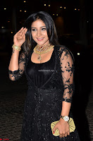 Sakshi Agarwal looks stunning in all black gown at 64th Jio Filmfare Awards South ~  Exclusive 016.JPG
