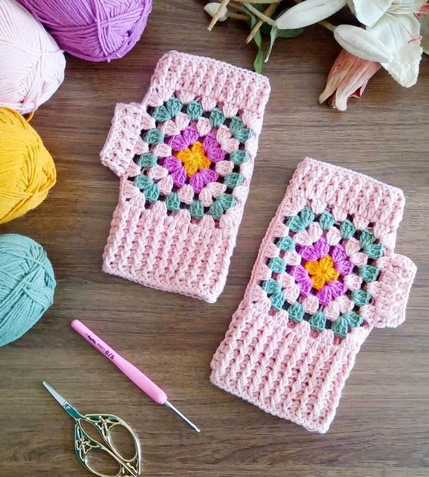 Crochet Fingerless Gloves - Granny Square