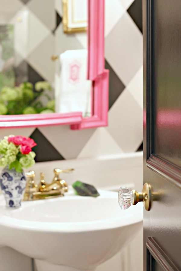 powder bath makeover, before and after, one room challenge, black door, glass door knob, hot pink mirror