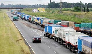 Los camiones siguen siendo el medio de transporte más usado para cargas