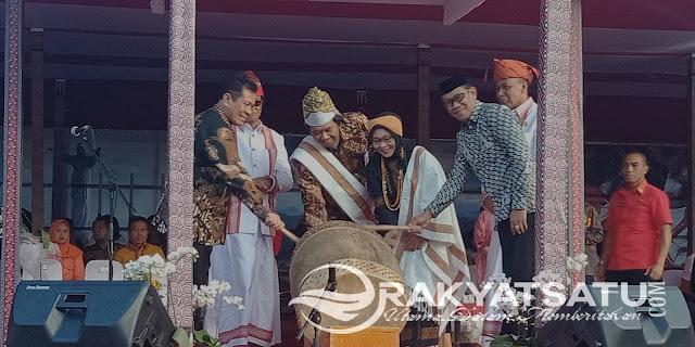 10 Atraksi Budaya Toraja Ditampilkan Dalam Puncak Lovely December 2018