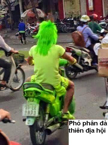 Xe gắn máy và quái nhân VietNam 7