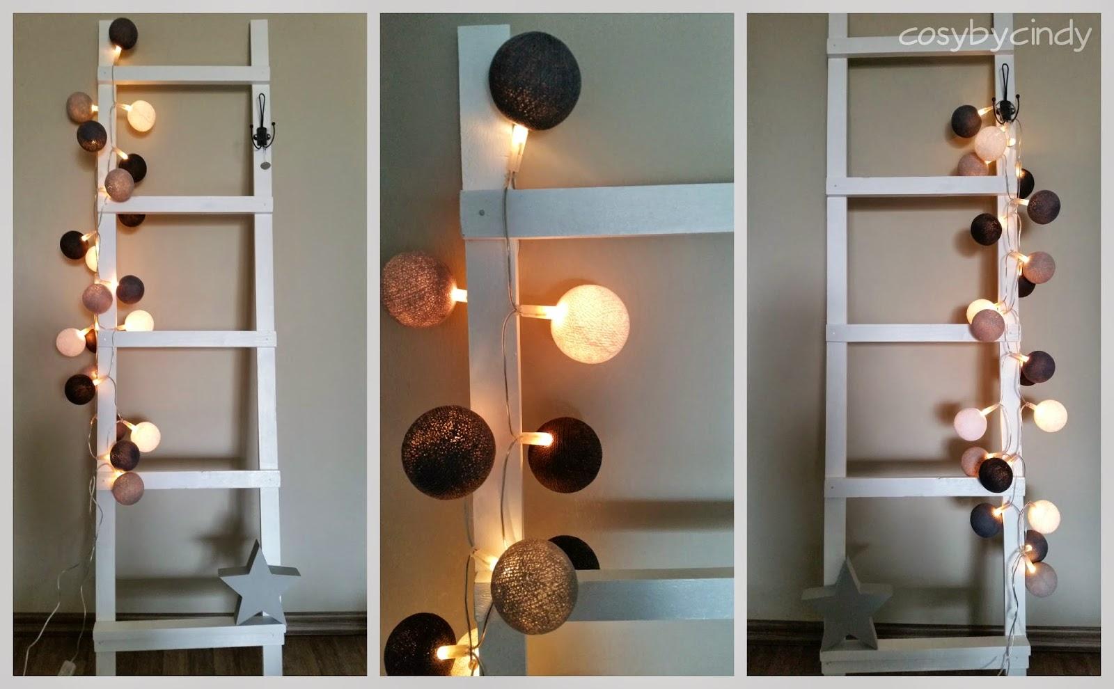 Houten Ladder Decoratie : Warme plaids op ladder u stockfoto belchonock