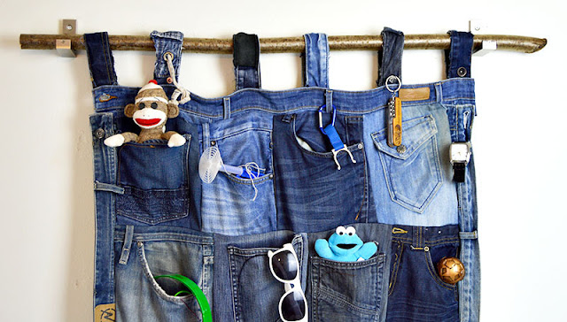 http://www.pillarboxblue.com/tutorial-for-a-great-denim-pocket-organiser/