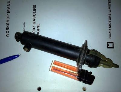 Ciri-ciri master kopling rusak dan Cara buang angin kopling bawah Blazer.