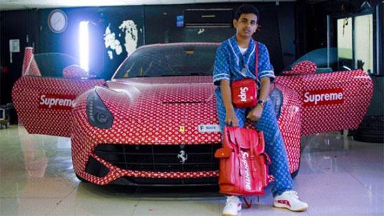 Remaja Balut Ferrarinya Dengan Sticker Supreme X Louis Vuitton