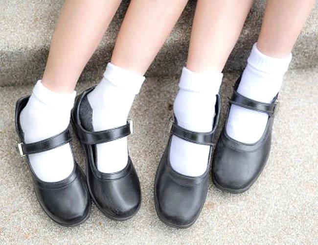 model-mary-jane-aman-untuk-sepatu-hak-tinggi-anak