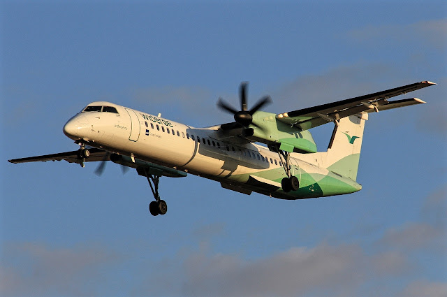 dhc 8-400 widere approaching runway