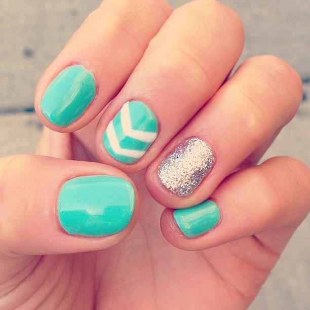 Chevron, glitter nails