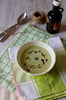 Супа със соева сметана