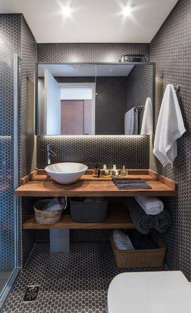 arquitetura-banheiro-com-pastilhas-hexagonais
