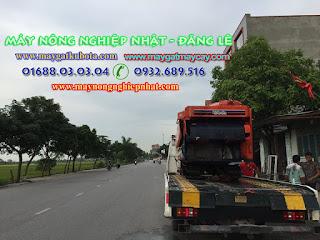 Bán máy gặt tăng đơ Kubota R1-30 cho khách hàng tại Nam Đàn Nghệ An