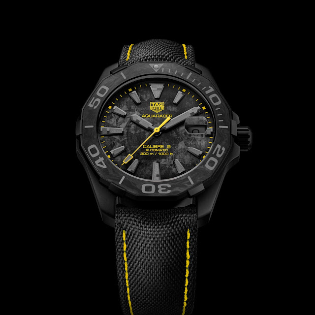 TAG Heuer Aquaracer Carbon Edition with yellow accents