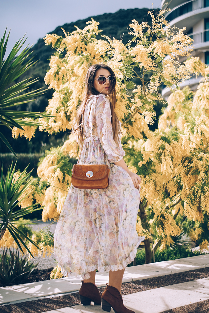 how to a wear a printed floral maxi dress