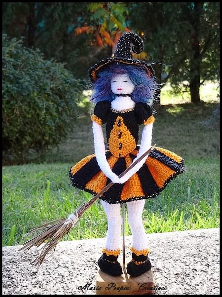 Sorcière poupée Halloween