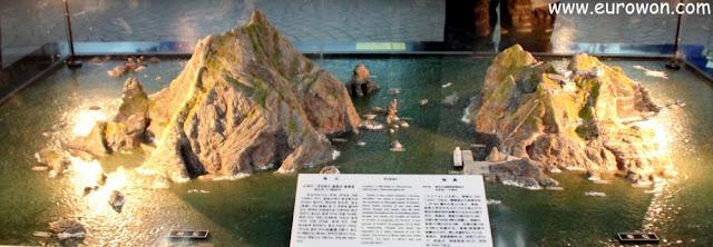 Maquetas de islotes Dokdo