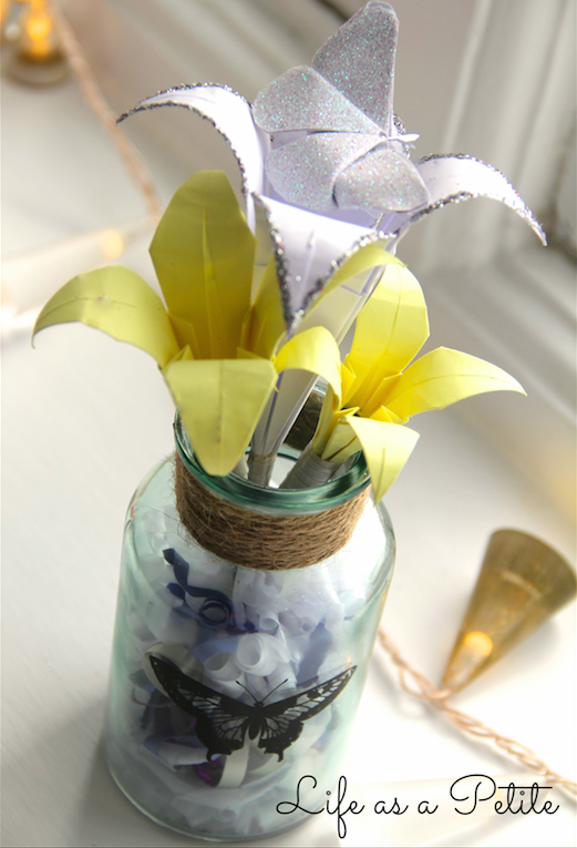 DIY Gift Idea: Paper Flowers (Life as a Petite)