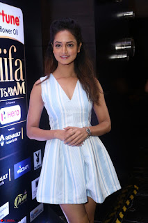 Shanvi Looks super cute in Small Mini Dress at IIFA Utsavam Awards press meet 27th March 2017 114.JPG