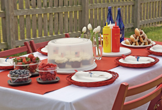 Table Setting for Fourth of July