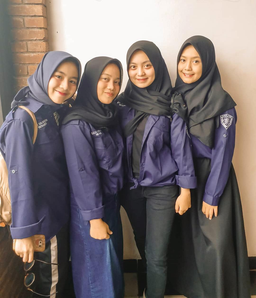 Hijaber mahasiswi Jilbab di fakultas Teknik