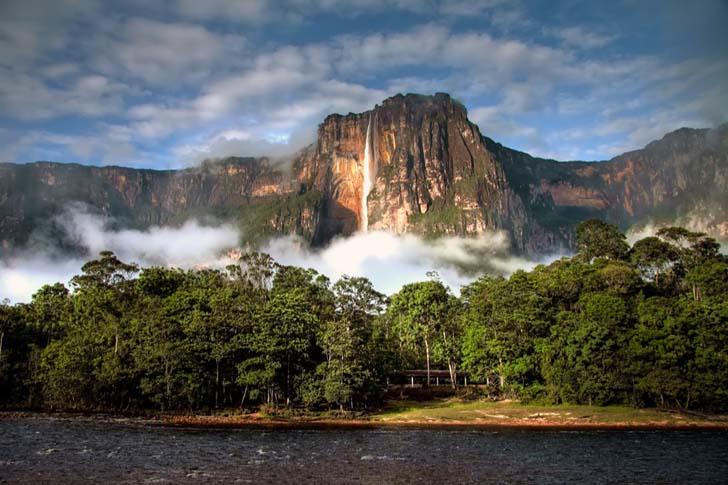 Angel Falls; Auyán-tepui, Venezuela