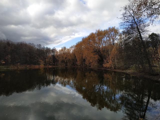 Измайловский парк. Декоративный пруд.