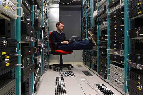 Bagaiamana Cara Mengevaluasi Web Hosting Provider