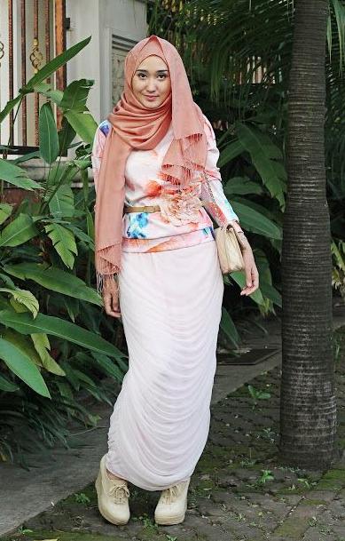 Baju Muslim Pesta Dian Pelangi