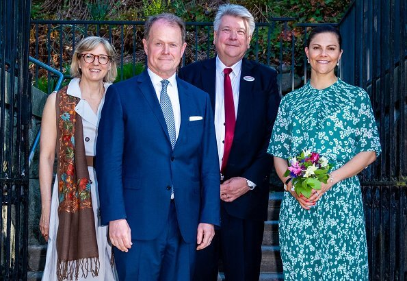 Crown Princess Victoria wore a floral print blouse and skirt by Samsøe & Samsøe. Samsøe joanna shirt and cathy skirt