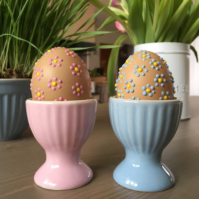 velikonoční vajíčka zdobená voskem