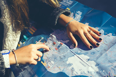 Con la Ring Road marcada en un mapa para hacer un itinerario