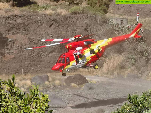 Helicóptero del GES rescató a un senderista en el Barranco de Las Angustias, El Paso