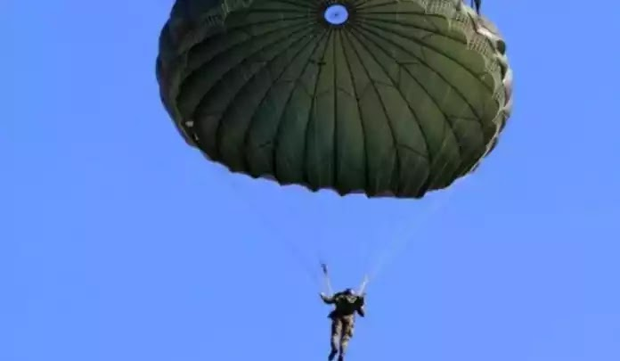 Νεκρός αλεξιπτωτιστής των Ενόπλων Δυνάμεων στα Μέγαρα