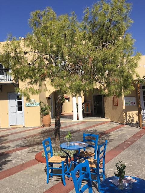 Grecotel Creta Palace Greek Cafe Familienurlaub Sommer Empfehlung Jules kleines Freudenhaus