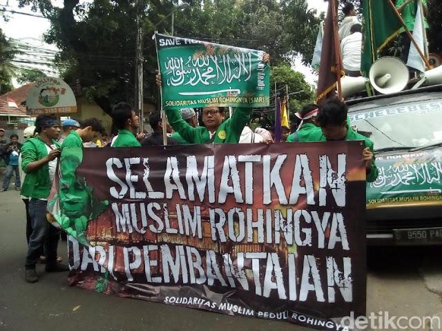 Datangi Kedubes Myanmar, Mahasiswa Gelar Aksi Solidaritas Rohingya : Berita Terhangat Hari Ini