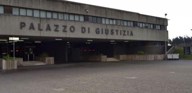 Estorsioni a Foggia: arrestati due soggetti vicini al clan MORETTI –PELLEGRINO – LANZA per un'estorsione ai danni di un commerciante.