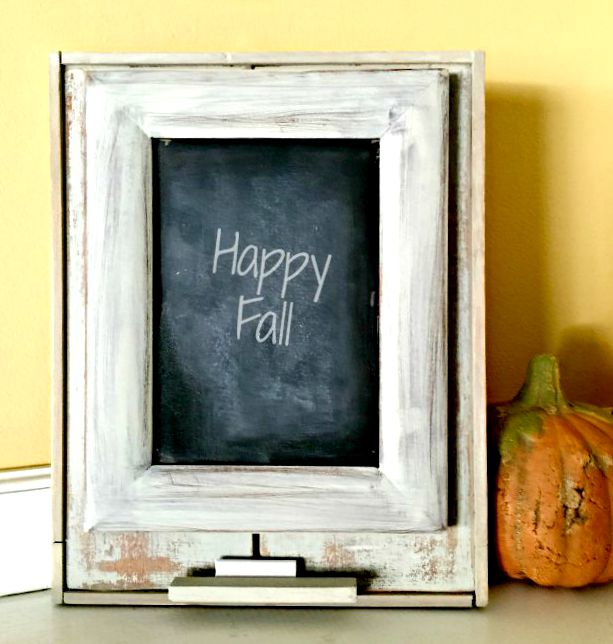 DIY Chippy Framed Chalkboard | Homeroad