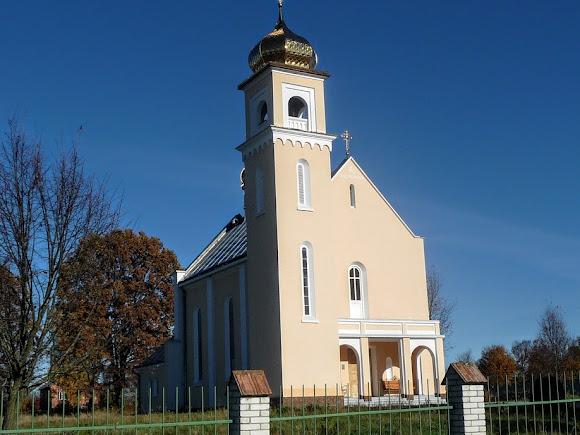 Верхні Гаї. Церква Матері Божої Неустанної Помочі. Колишній костел