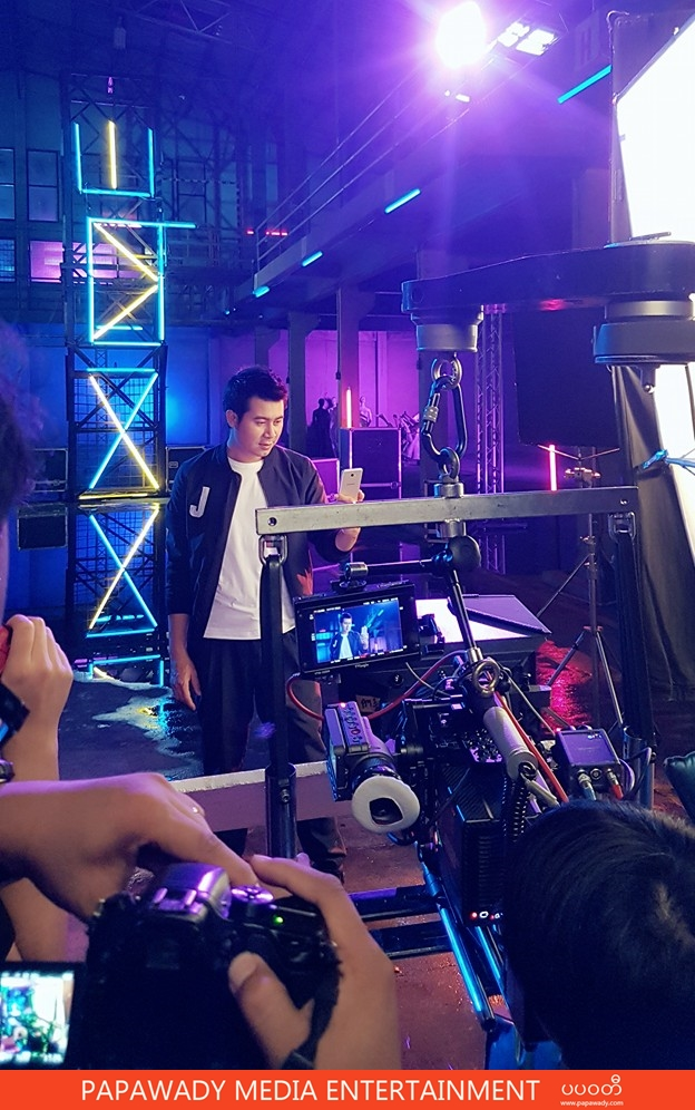 Nay Toe In Action : Behind The Scenes from Samsung Galaxy J7 Prime Photoshoot in Bangkok