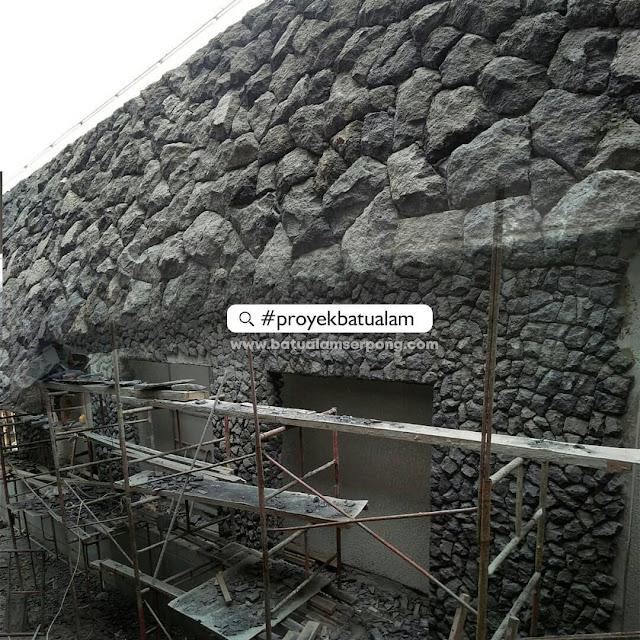 Trend pemasangan batu candi acak/random pada dinding