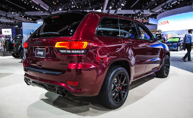 2016 Jeep Grand Cherokee SRT Owners Manual