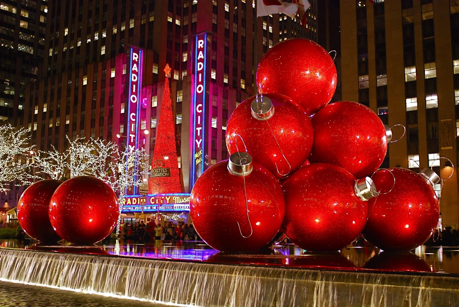 Christmas Decorations: NYC ♥ NYC: Sixth Avenue Christmas Decorations