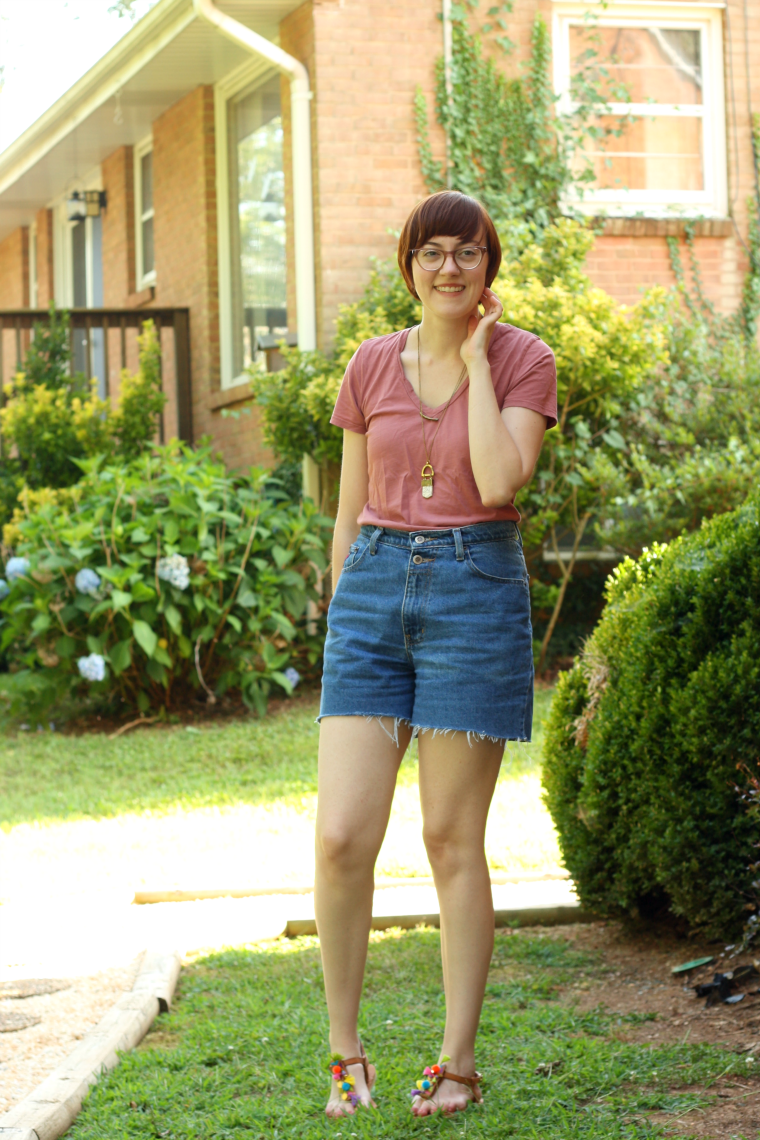 ethical summer outfit with everlane and mata traders