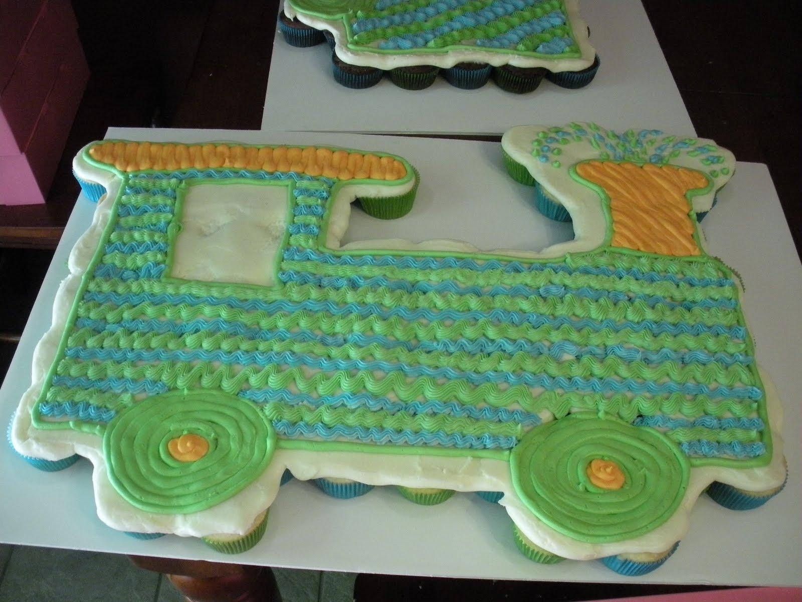 Sugar Amp Spice Sweets Train Cupcake Cake