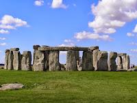 http://atecarturo.com/2015/09/monumentos-megaliticos-el-cromlech-de.html