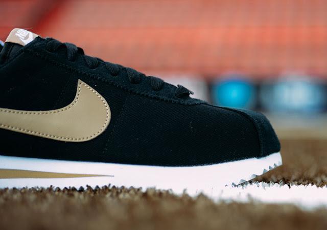 Nike-Cortez-Baseball-Pack-Black tecido
