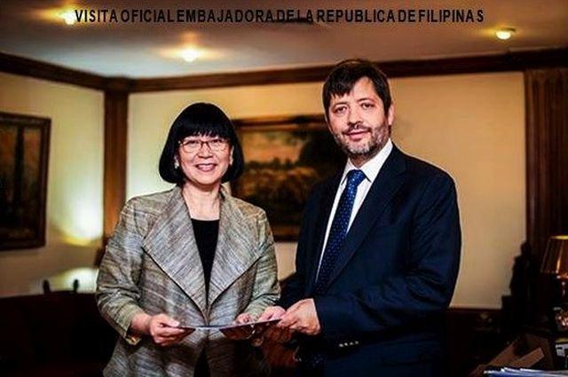 Embajadora de Filipinas Ma. Teresita Daza